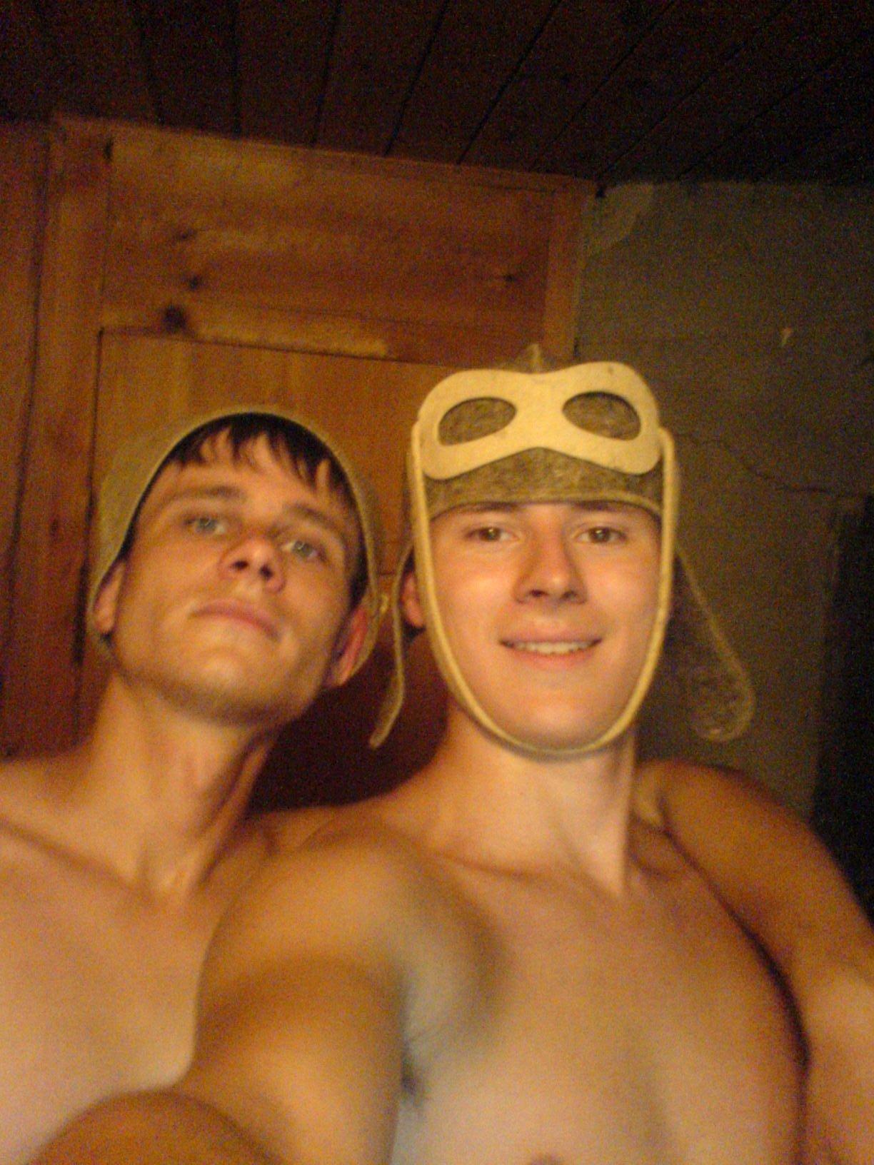 Я была с братом в ванной 4 фотография